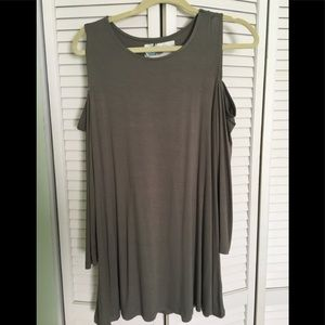 Tops - Cold shoulder top or tunic